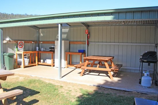 Mole Creek Caravan Park  -  Mole Creek TASMANIA