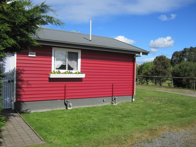 Westbury Brook Cottage - Westbury - TASMANIA