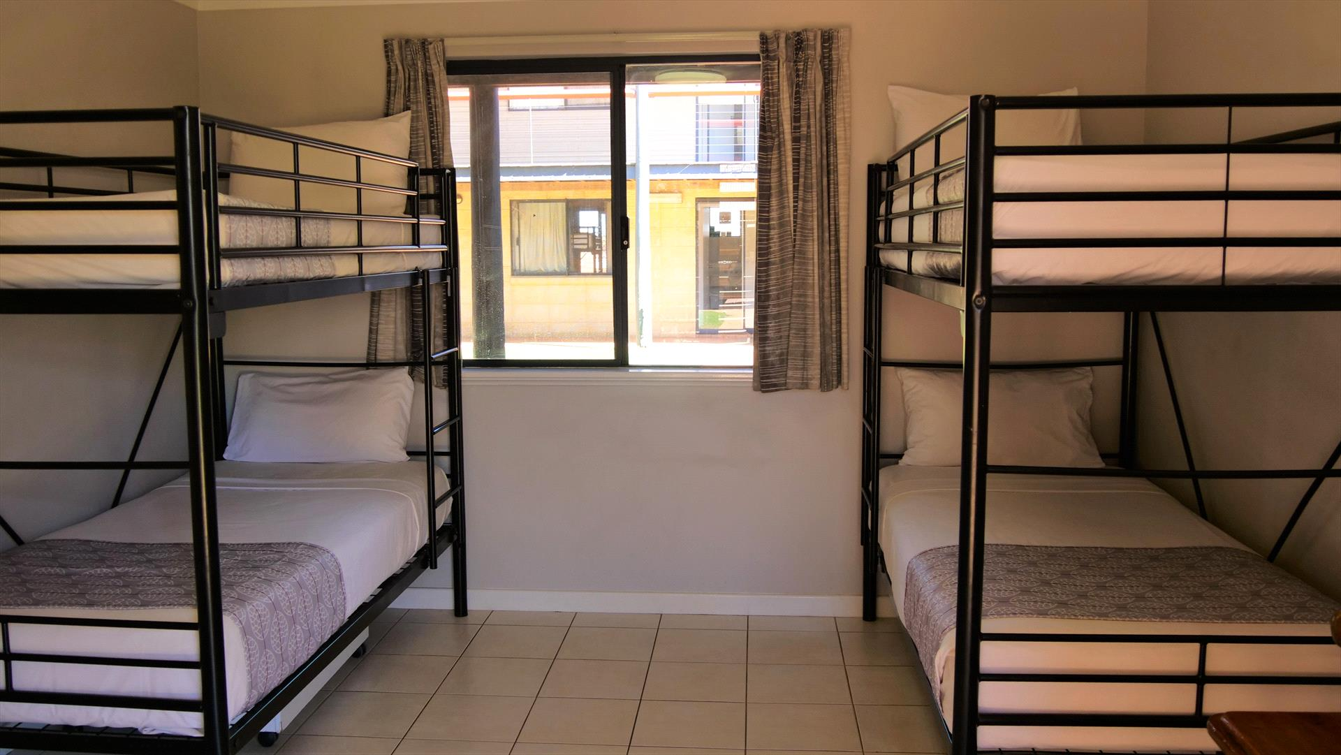 4 Bed Dorm Sole Use Room Image