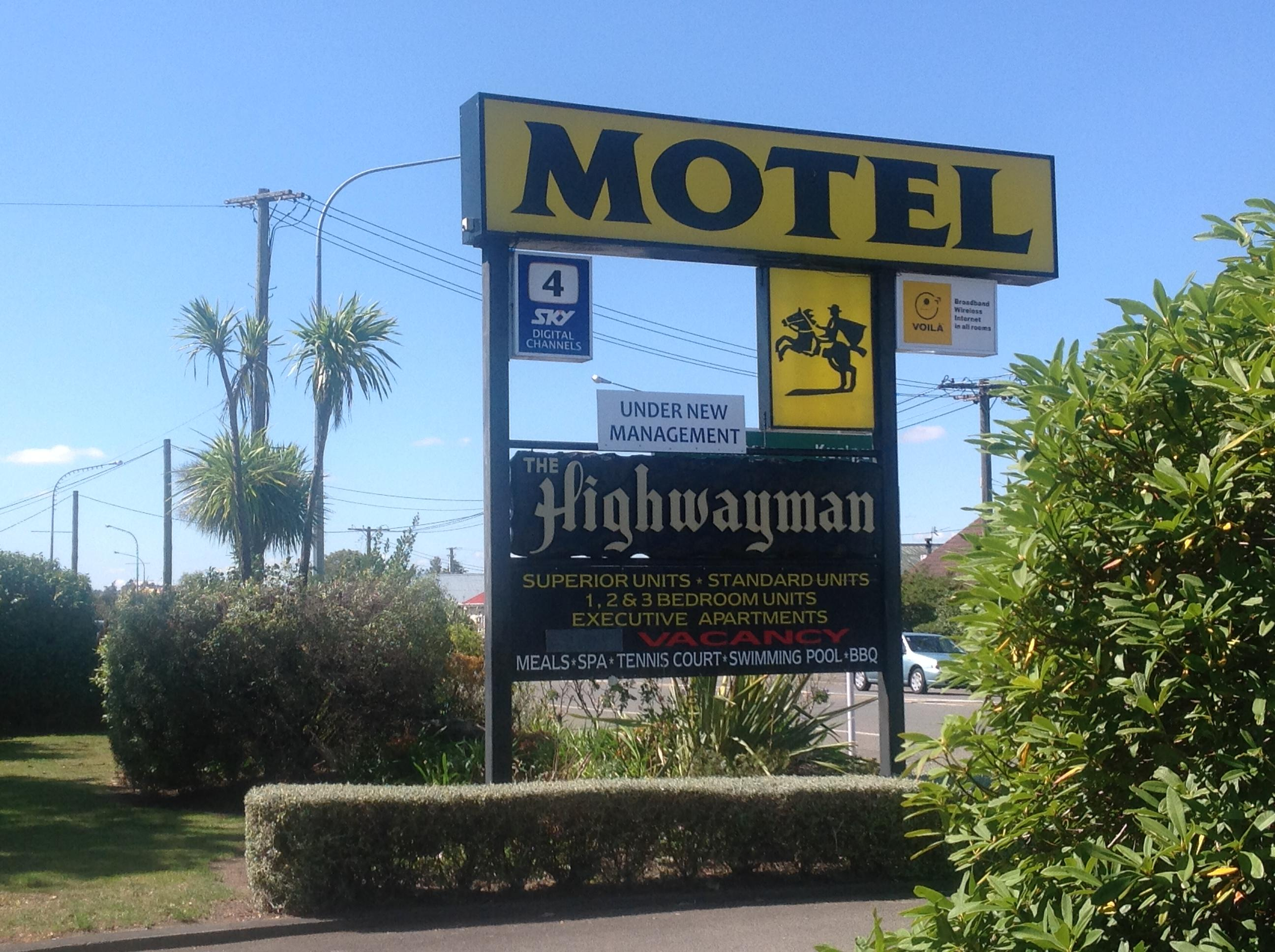 The Highwayman Motel