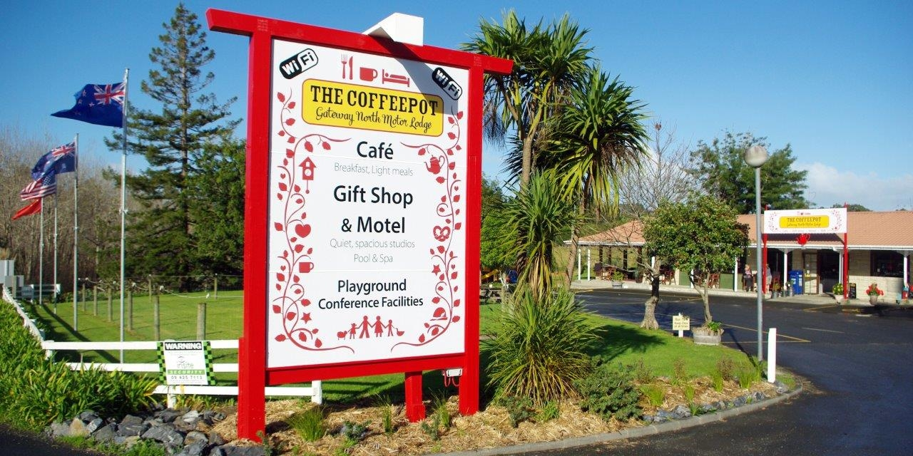 Gateway North Motor Lodge & The Coffeepot