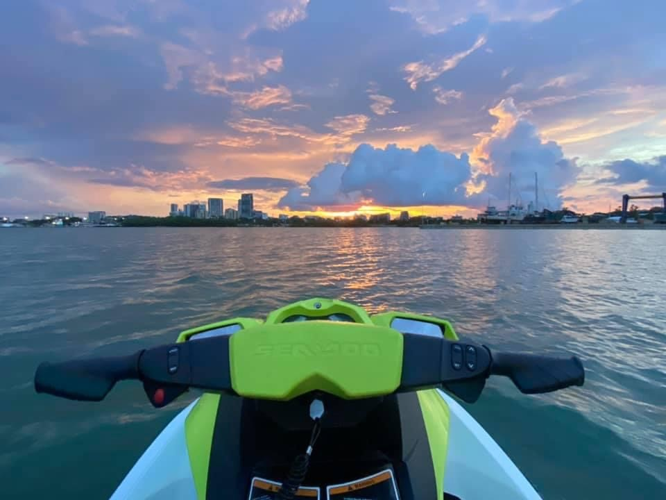 DIAMONDS ARE FOREVER WITH 00SEVEN JET SKI ADVENTURES