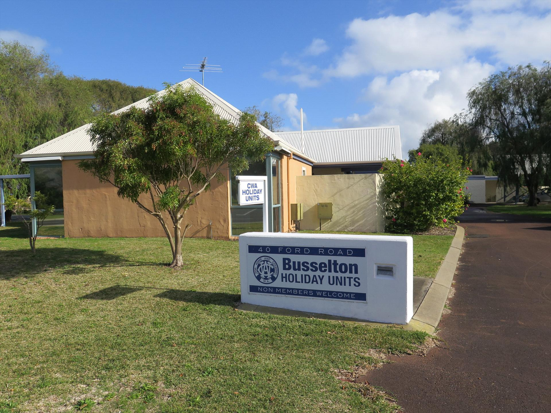 Country Womens Association (CWA) Busselton Holiday Units logo