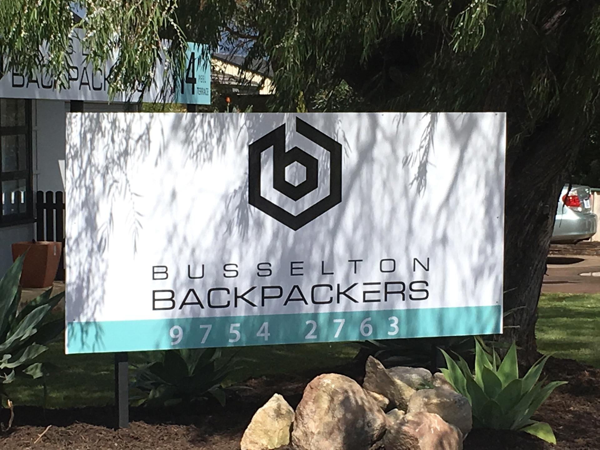 Busselton Backpackers logo