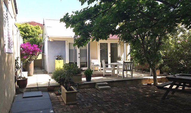Cosy Corner Garden Studio