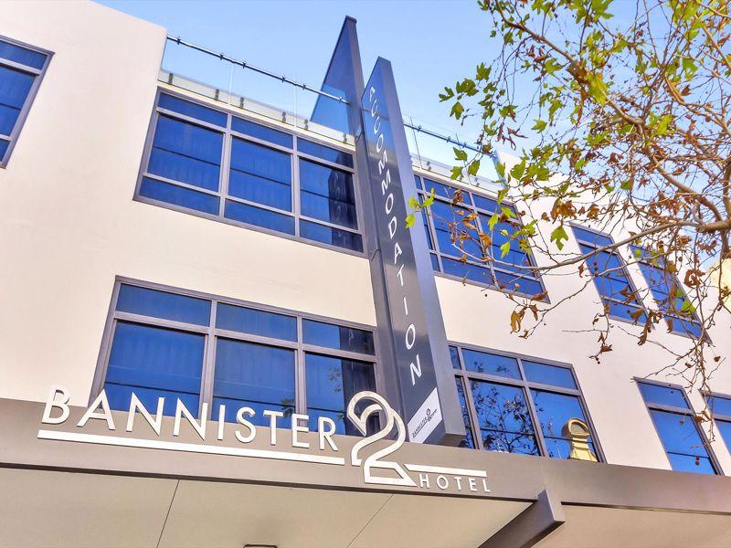 Bannister 22 Hotel