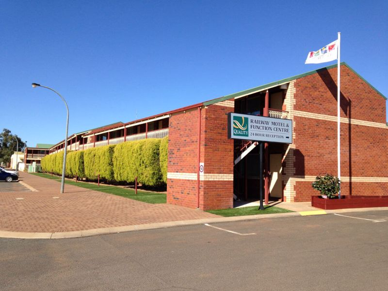 Quality Inn Railway Motel & Function Centre