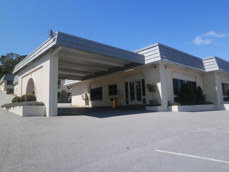 Albany Dog Rock Motel