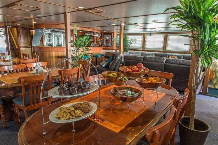 ECO ABROLHOS - Kimberley Cruises