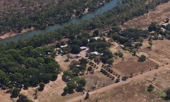 Manbulloo Homestead & Caravan Park