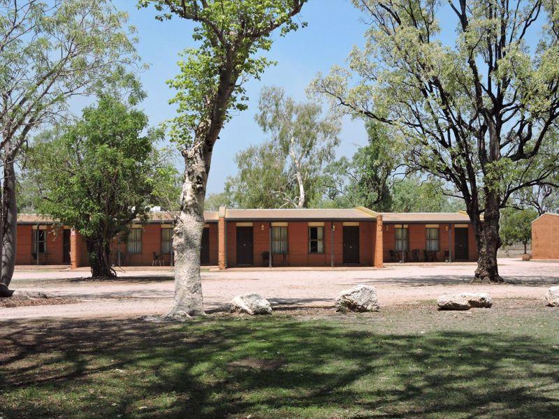 Territory Manor Motel & Caravan Park