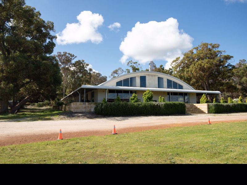 Bussell Highway Reception Centre & Chalets