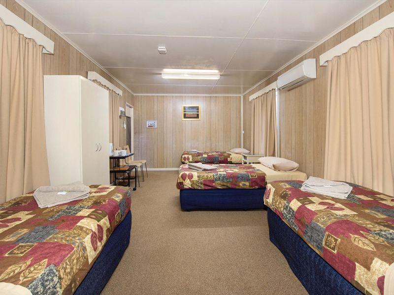 Curtin Springs Wayside Inn