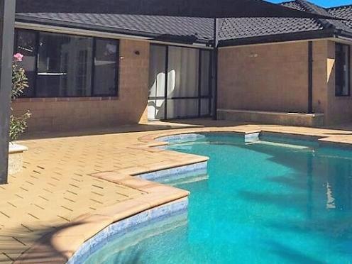 Beach Retreat - Perth Holiday Stays