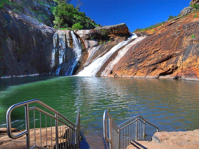 Serpentine Falls Park Home & Tourist Village